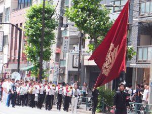 運動部の学生たちのパレード