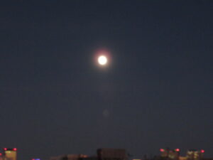 教室から見えたお月さま(早稲田)